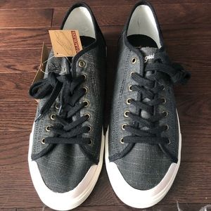 NWT Original Penguin Men's Chiller Sneakers